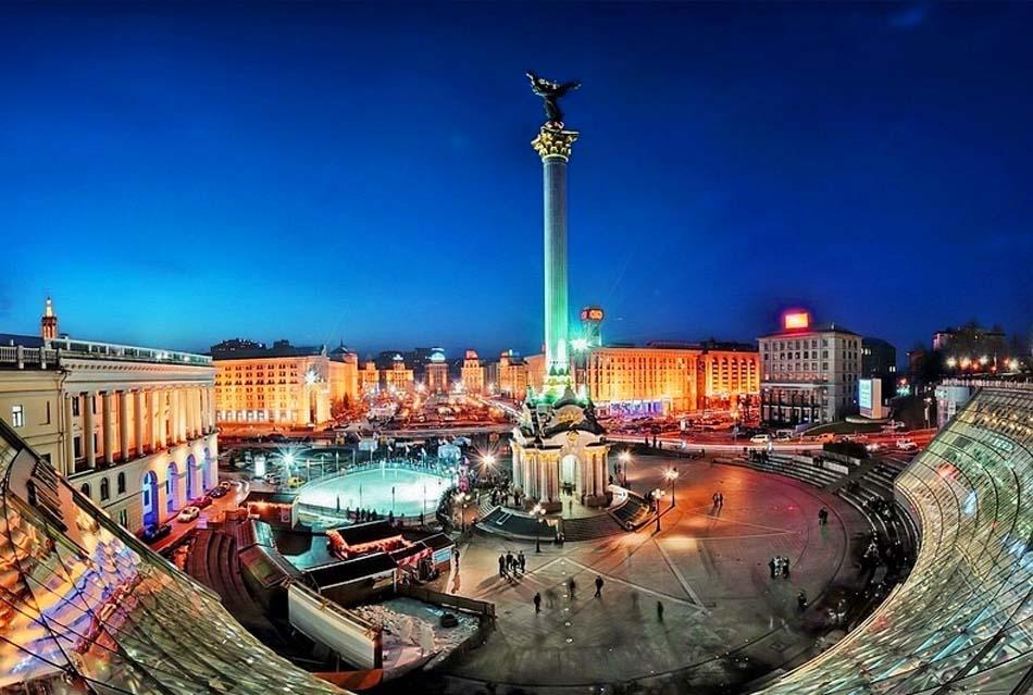 Beautiful-Kiev-view-at-night-Ukraine