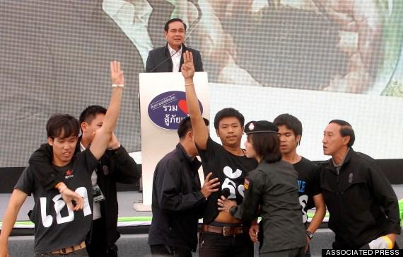 Tướng quân đội Prayuth Chan-ocha (trên cùng) trở thành Thủ tướng Thái Lan sau cuộc đảo chính hồi tháng Năm.