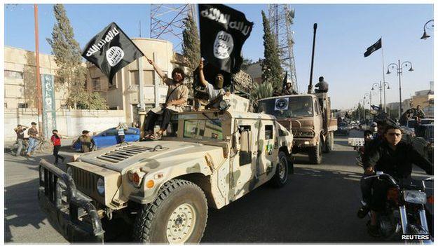 IS áp đặt  luật Hồi giáo hà khắc và có hệ thống tư pháp riêng tại các vùng họ kiểm soát