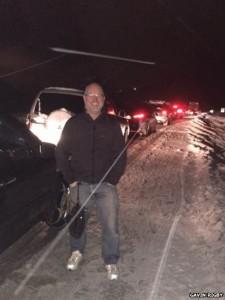 Gavin Rigby và gia đình phải đối mặt với một cuộc hành trình suốt đêm khi xe oto nhích tý một
