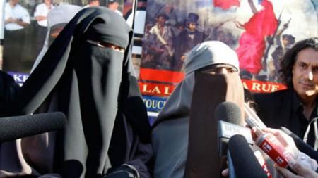 Vấn đề Hồi giáo tại Pháp còn có nhiều yếu tố xã hội phức tạp