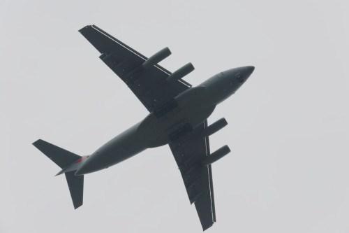 Máy bay vận tải hạng nặng Y-20 Trung Quốc tiến hành huấn luyện bay , thiết kế tổng thể của Y-20 là kết quả của hợp tác với Công ty hàng không Antonov Ukraine 10 năm trước.