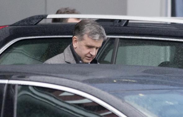 Đại sứ Nga tại Ukraine - Mikhail Zurabov sau khi đến sân bay quốc tế Minsk, 31 Tháng 1 2015.