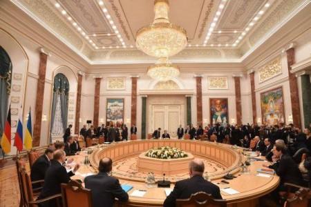 Toàn cảnh cuộc đàm phán tại Minsk ngày 12/2.