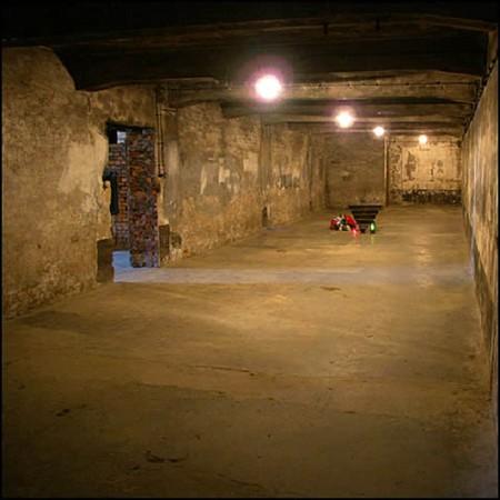 Phòng hơi ngạt tại lò thiêu người số 1, Auschwitz 2