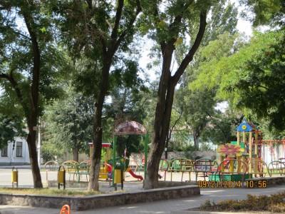 Một sân chơi trẻ em tại Mariupol