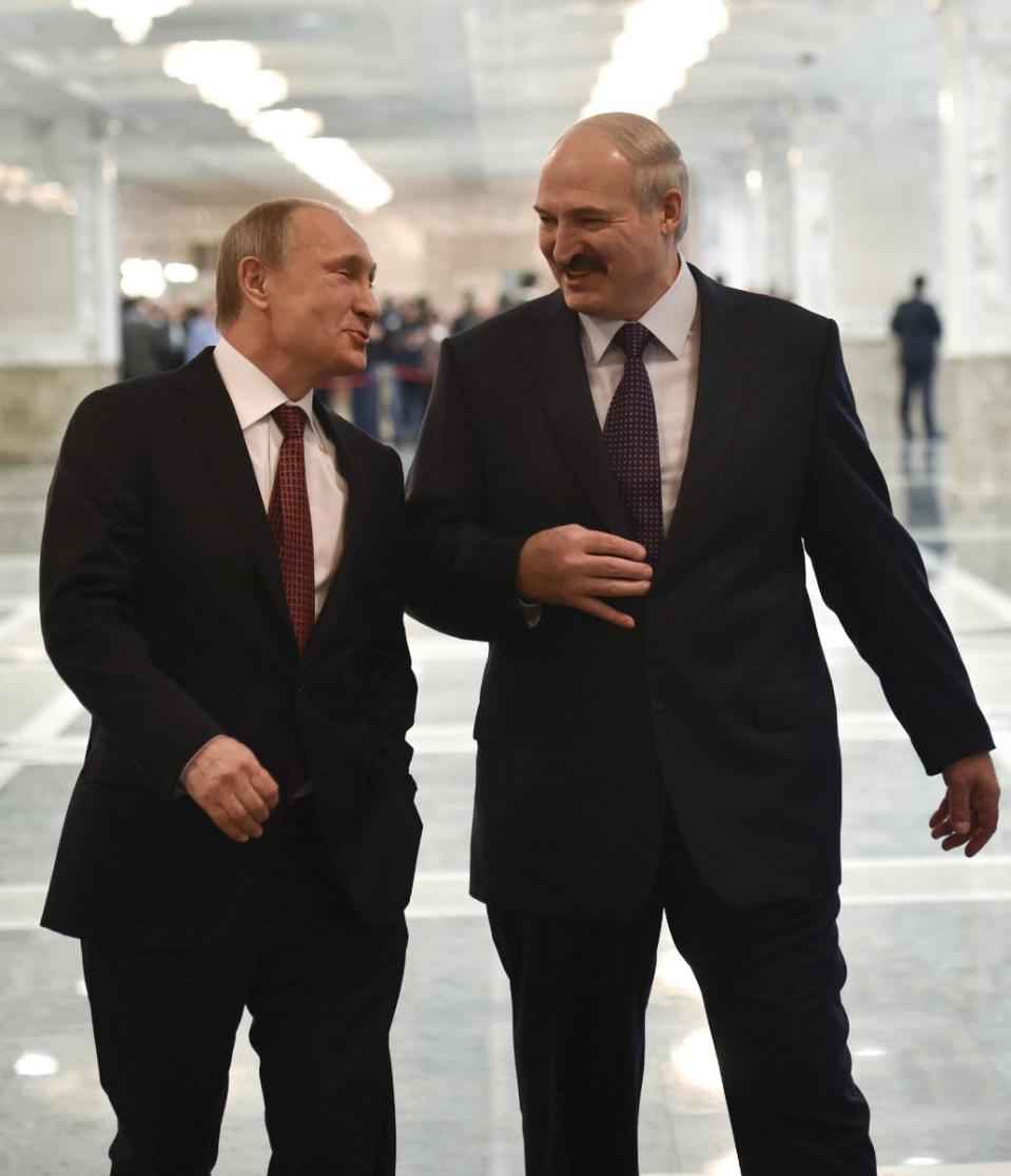 TT Nga Putin trò chuyện với TT Belarus Lukashenko trước cuộc họp thượng đỉnh