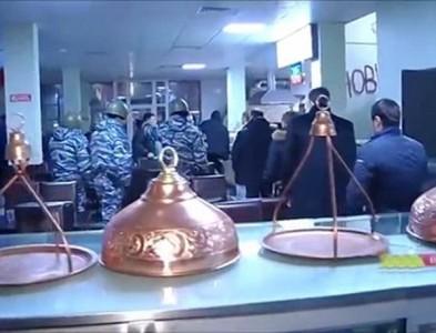 Cảnh sát Nga bố ráp