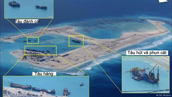 Đá Chữ Thập được Trung Quốc ồ ạt cải tạo và xây thành đảo nhân tạo, trên đảo có cả đường băng dài gần 1,5 km - Ảnh: - Ảnh: CSIS/IHS Jane's