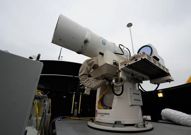 Một số chính trị gia Mỹ đề xuất tăng chi phí cho các hoạt động nghiên cứu, phát triển vũ khí mới là giải pháp trước mắt cho vấn đề giảm ngân sách quốc phòng. Ảnh: Strategypage