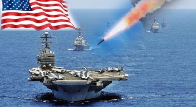 """Ảnh mô phỏng tên lửa đạn đạo chống hạm DF-21D tấn công nhóm tác chiến tàu sân bay Mỹ. Giới phân tích Washington cho rằng, """"chiến lược chống tiếp cận/từ chối khu vực"""" của Trung Quốc là mối đe dọa với họ ở châu Á - Thái Bình Dương. Ảnh: Wuxing"""