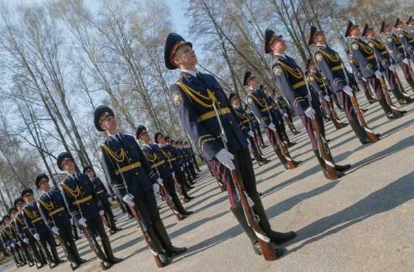 NGU chính thức ra đời ngày 4/11/1991 nhưng sau đó bị giải thể vào tháng 1/2000 (hoạt động được 8 năm, 2 tháng). Tới ngày 13/3/2014, NGU một lần nữa tái lập và trực tiếp tham gia vào cái gọi là chiến dịch chống khủng bố của chính phủ thân phương Tây tại miền đông Ukraine.