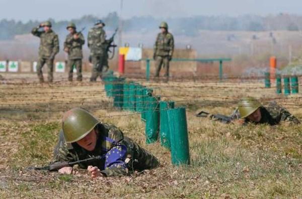 Vệ binh Quốc gia Ukraine hiện có quân số thường trực khoảng 30.000 người với nhiệm vụ chính được quy định là bảo đảm an ninh công cộng, bảo vệ các cơ sở hạt nhân, giữ gìn trật tự hiến pháp và khôi phục hoạt động các cơ quan nhà nước.