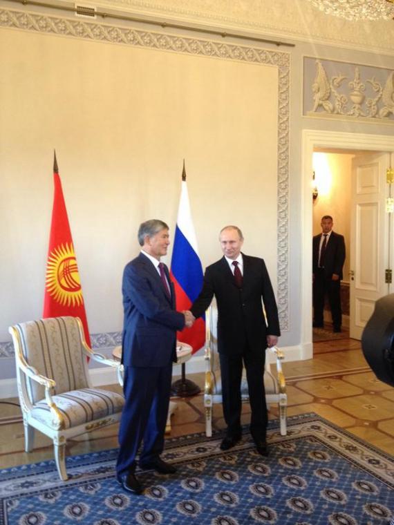TT Putin tiếp TT Kyrgyzstan Almazbek Atambayev