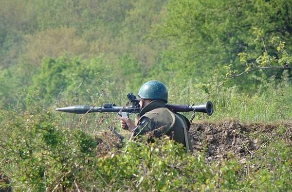 Ngoài ra, các binh sĩ của NGU còn được trang bị súng phóng lựu chống tăng RPG-7, RPG-16, RPG-22, RPG-26, RPG-18, súng không giật SPG-9.