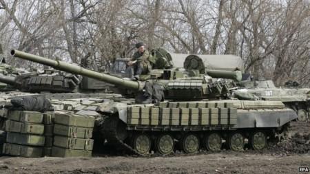 Phiến quân được trang bị hiện đại với xe tăng Nga và những loại vũ khí hạng nặng khác.