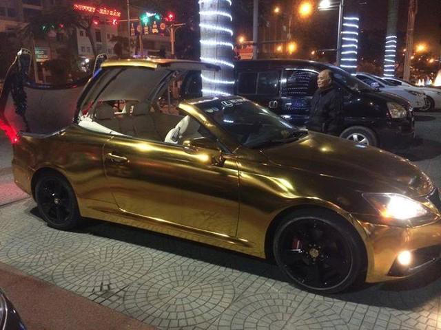 Siêu xe Lexus mui trần được mạ vàng toàn thân của thiếu gia Hải Phòng