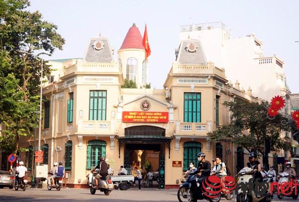 Bốt Hàng Trống (Trung tâm chỉ huy của cảnh sát Pháp ở Hà Nội) - nay là trụ sở Công an quận Hoàn Kiếm.