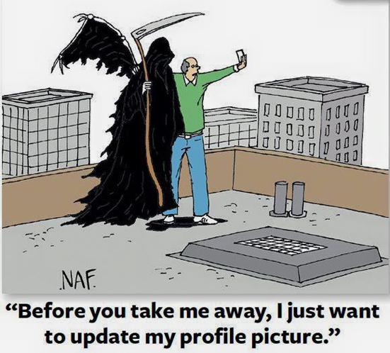 Trước khi chết cũng phải post hình để báo cáo bạn bè trên mạng