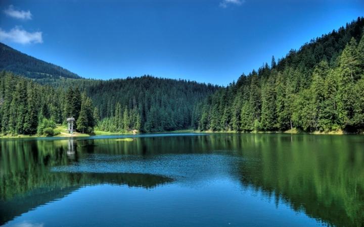 Синевир-сказочное-озеро-украинских-Карпат-3