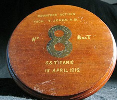 Kỷ vật mà thủy thủ Jones gửi tặng cho bà Noel.