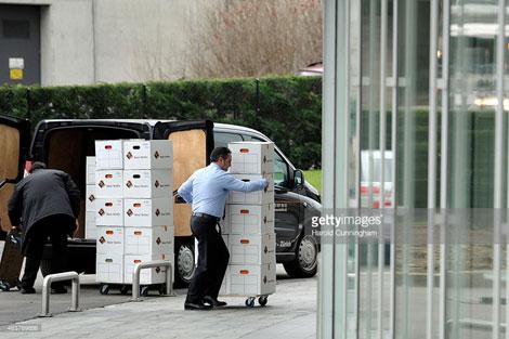 Các nhà điều tra Thụy Sĩ thu thập tài liệu hoạt động của HSBC, tại chi nhánh ở Geneva.