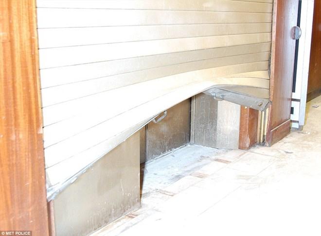 Cảnh sát London cho biết không có dấu hiệu bọn trộm đã bí mật đột nhập vào tòa nhà. (Nguồn: dailymail.co.uk)