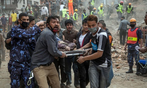 Số nạn nhân của động đất tăng lên từng phút.