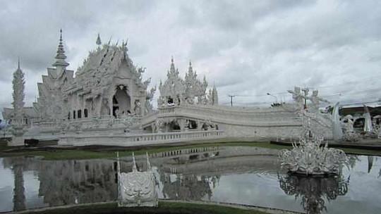 Chùa Trắng nổi danh ở Thái Lan.