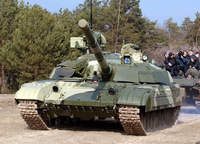 Ukraine có ngành chế tạo xe tăng rất mạnh. Trong ảnh: Xe tăng T-64BM Bulat của Ukraine