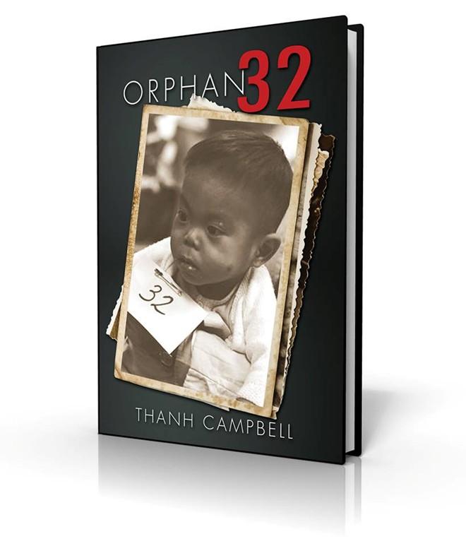 Number 32, quyển sách của Thanh Campbell kể về cuộc đời anh. Ảnh bìa là Thanh trong chuyến bay Không vận Trẻ em sang Canada vào tháng 4/1975. Thanh được đánh dấu số thứ tự 32.