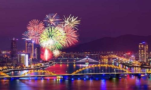 Những màn pháo hoa hoành tráng trên sông Hàn