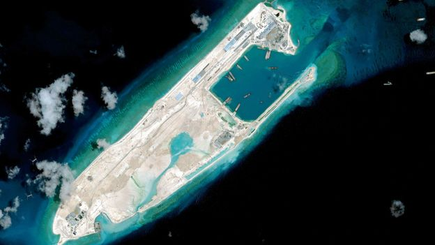 Các hình ảnh vệ tinh cho thấy Trung Quốc đang xây đắp quy mô lớn trên Biển Đông