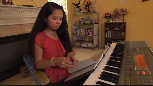 Wendy Võ, thần đồng âm nhạc người Mỹ gốc Việt nói thông thạo 11 thứ  tiếng khác nhau