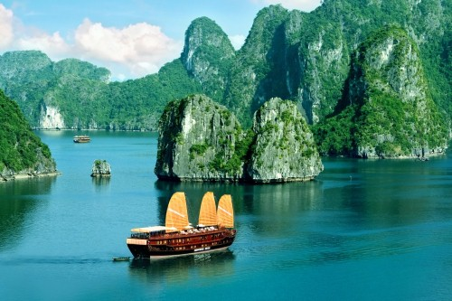 Vịnh Hạ Long - kỳ quan thiên nhiên của thế giới