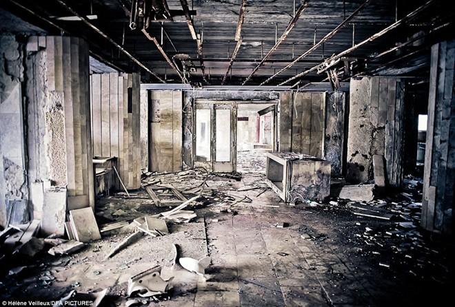 Hoạt động tháo dỡ nhà máy điện nguyên tử Chernobyl vẫn chưa kết thúc. Ngày nay gần 7.000 người vẫn làm việc trong nhà máy. Ảnh: Daily Mail