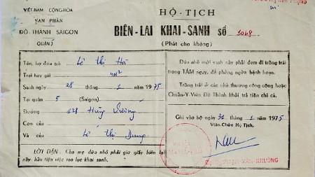 Giấy khai sinh là manh mối duy nhất Le Thi Ha có để tìm lại gốc gác của mình (Ảnh: NVCC)
