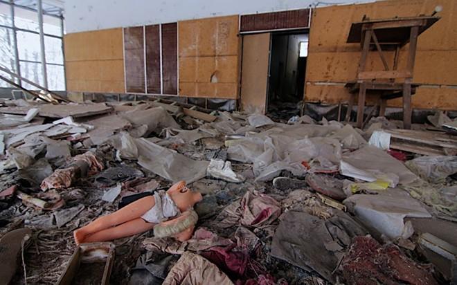 Tổ chức bảo vệ môi trường Hoà bình Xanh từng khẳng định rằng, có thể hơn 90.000 người đã chết vì ung thư do nhiễm chất phóng xạ từ vụ nổ nhà máy điện hạt nhân Chernobyl, chứ không phải khoảng 4.000 người theo báo cáo của Chernobyl Forum. Ảnh: Telegraph