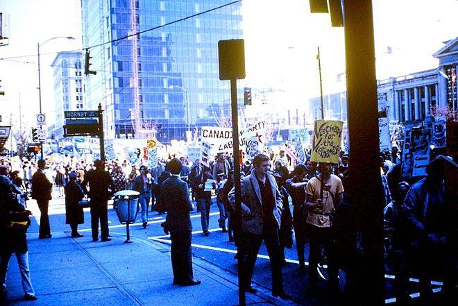 Biểu tình tại Vancouver, Canada năm 1968. Ảnh: John Hill