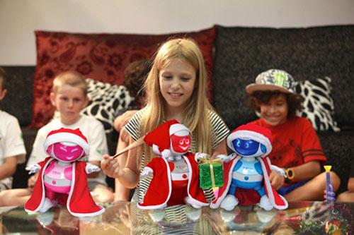 Robot nhảy Tosy đang được nhiều gia đình tại Mỹ, châu Âu chọn làm quà cho trẻ em