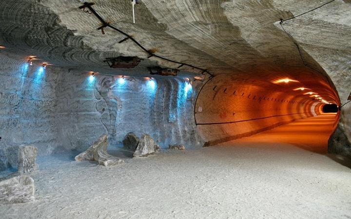 soledar-salt-mines-1463x1024x768x0