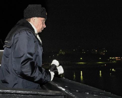 Ngày 17 tháng 2 năm 2004, Tổng thống Vladimir Putin đến vùng Arkhangelsk thăm tàu ngầm Akula-class, để xem sự ra mắt cuộc thử nghiệm tên lửa đạn đạo mới được phát triển.