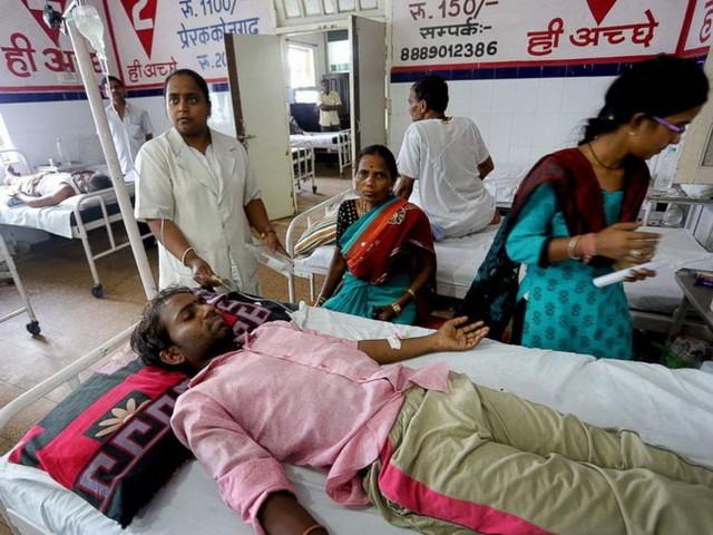 Người dân nhập viện do nắng nóng ở Bhopal Madhya Pradesh - Ảnh: EPA