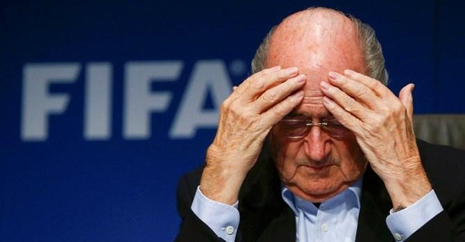 Chủ tịch mãn nhiệm FIFA Sepp Blatter sau một cuộc họp tại Zurich 26/09/2014 - Reuters /Arnd Wiegmann