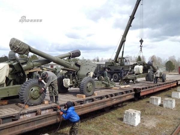 …về với đơn vị pháo binh Quân đội Ukraine.