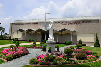 Nhà thờ Maria Nữ Vương Việt Nam ở làng Việt Nam Versailles, mạn đông thành phố New Orleans. Photo by HoaAi/RFA