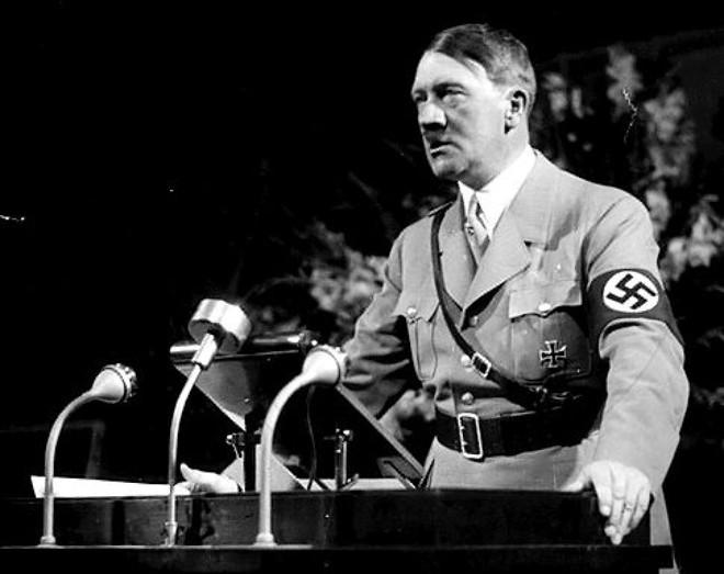 Tài hùng biện xuất chúng đã giúp Hitler từ một gã không nghề nghiệp bước chân lên vũ đài chính trị nước Đức. Ảnh: Dailynews