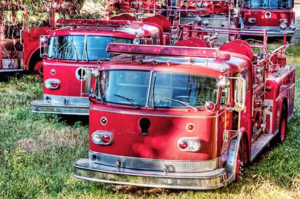 Xe cứu hỏa lỗi thời bị bỏ tại khu đất trống gần Sở Cứu hỏa Los Angeles.