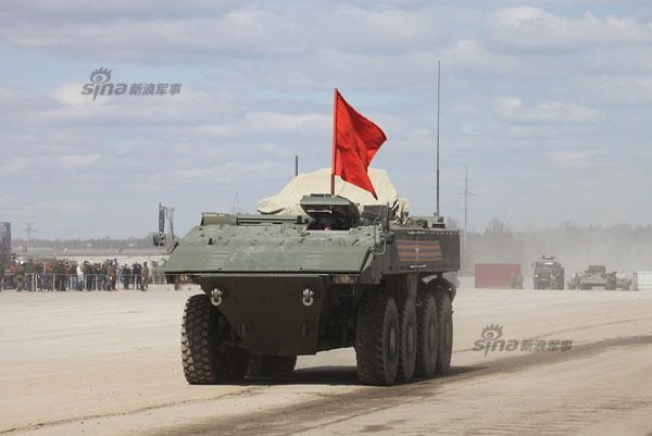 So với dòng BTR, Bumerang thực sự đã lột xác hoàn toàn. APC mới có thiết kế kiểu module. Nó sử dụng chung một số thành phần phụ phát triển cùng với xe chiến đấu bộ binh Kurganets-25.