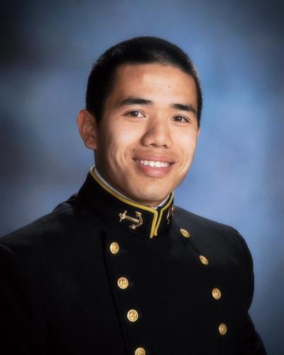 Thiếu Úy Hải Quân Brandon Trần.